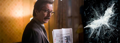 Post image for What does Commissioner Gordon wear in the new Batman movie?