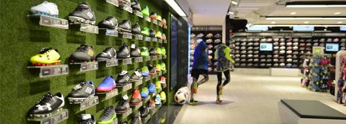 Post image for Sport- mode- en schoenenspecialisten onder druk